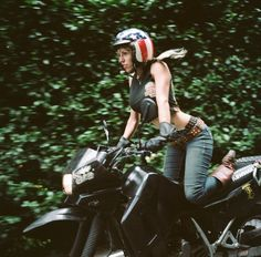Lanakila MacNaughton, photographer of the Women's Moto Exhibit