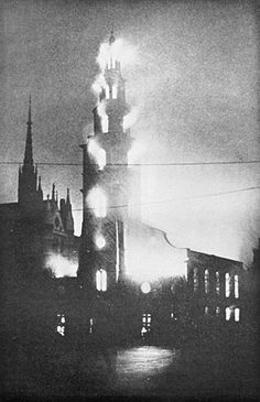 St Clement Danes on fire, 11 May 1941.