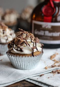 Spiked Banana Chocolate Cupcakes | Little Broken