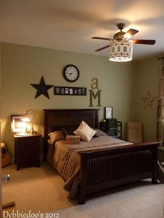 This teen boy's bedroom incorporates design elements that show off his hobbies. The whole room makeover by @Debbie Manno was under $200!