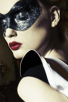 OMG, so doing this for New Years Eve! Coolest mask makeup idea!