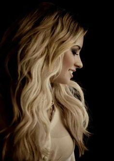 Demi Lovato - so gorgeous!