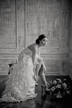 Fashionable bridal session | Irina Klimova Photography | see more on: http://burnettsboards.com/2014/09/beauty-flower-exquisite-bridal-editorial/