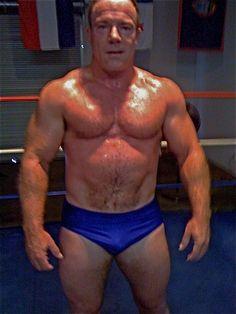 sweaty muscleman wrestler  GLOBALFIGHT PROFILES