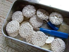#Crochet #Tutorial - How to make vintage style crochet covered buttons. Don't these look great in that vintage tin box? Good instructions at the site.