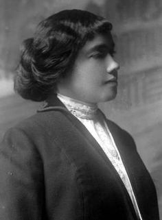 Spelman History is Women's History: Dr. Georgia Dwelle, HS'00 -- When she entered Meharry Medical College in 1900, Dwelle became the first Spelman graduate to attend medical school, and in 1920 she established the Dwelle Infirmary, Georgia's first general hospital for African Americans and its first obstetrical hospital for African American women.