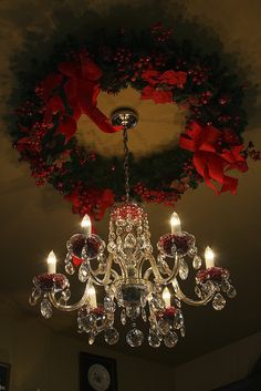 christmas wreath and chandelier