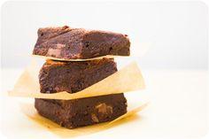 The FUDGIEST Nutella Brownies via Cupcake Crazy Gem! #Nutella #Brownies #Fudgy