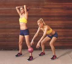 10 Medicine Ball Exercises to Burn Fat
