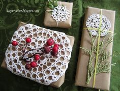 Lacy Crochet: Holiday Gift Wrapping with Doilies