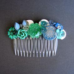 button hair comb