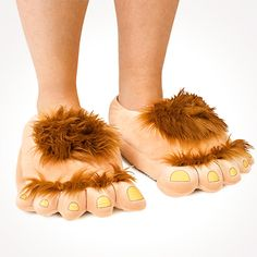 Comfy and stylish // Hobbit hairy foot slippers