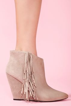 #fringe_boot #taupe #suede