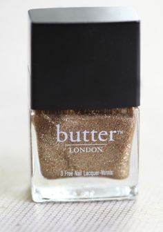 Glittering gold nail polish