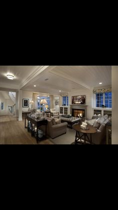Great family room with fireplace