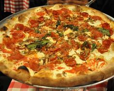 What's the Difference Between New York and Neapolitan-Style Pizza?