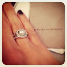bling, pearl rings, list jewelri, accessori, pearl ring with halo, pearls, david yurman pearl ring, pearl ring with diamonds, diamond halo