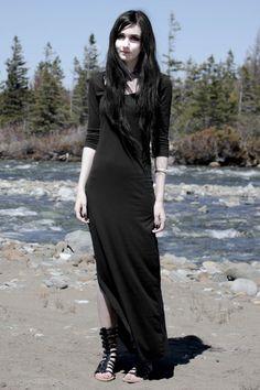 Nu Goth girl