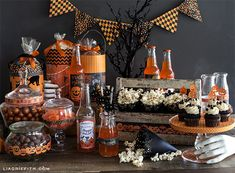 Make These Pretty Halloween Party Decorations and Goody Bags! halloween decorations, easi parti, halloween parties, craft halloween, halloween idea, parti decor, goody bags, holiday decor, halloween goodi