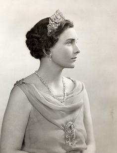 queen elizabeth, gloucest, the duchess, royal famili, british, queen mary, princesses, tiaras, princess alic