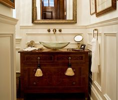 un chouette meuble de lavabo en revalorisant un vieux meuble de cuisine ou de chambre