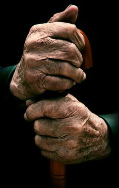 97 year old hands = Beauty...