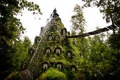 Hotel La Montaña Mágica. Huilo-Huilo, Chile