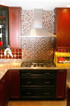 Countertop Backsplash Behind Stove : Backsplash behind stove on Pinterest Kitchen Backsplash, Red Kitchen ...