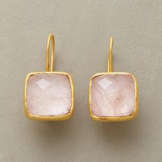 14. Pink Pillow Earrings. #organizedliving #organizedcloset