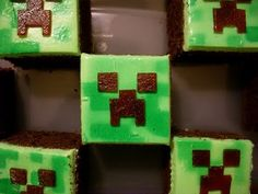 """If you can't do a template, paint the pixels on with food coloring diluted in a teaspoon of vodka. Candy Bar Cupcakes: Minecraft Cupcakes """"Creeper"""""""