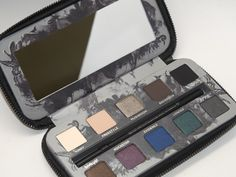 NEW Urban Decay Smoked Palette