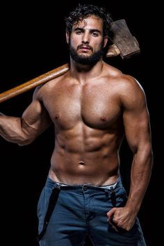 love the beard...and the muscles #hunk