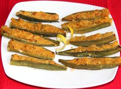 Baked Okra stuffed with Chikpeas Stuffed Mashed, Spicy Delicious, Dishes Filling, Baking Okra, Delicious Dishes, Stuffed Bharwa Bhindi, Side Dishes Appetizers, Okra Stuffed, Mashed Chickpeas