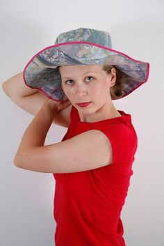 Chic sun hat made from a pillowcase