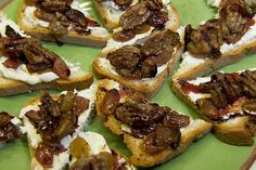 Roasted Grape and Goat Cheese Canapés with Spiced Pecans | Udi's® Gluten Free Bread