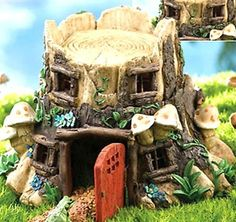 Frog and Toad House - Cottage - Tree Stump... idea to make own with Frog and Toad finger puppets???