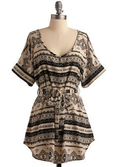 If I had a waist, I'd wear this with skinny jeans, black wedges, and big gold earrings.