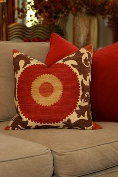 love the colors of this pillow