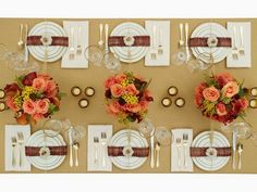 Thanksgiving Decor- fun Ideas for decorating the kids table @craftytexasgirls.com #thanksgiving #turkey #pumpkinturkey