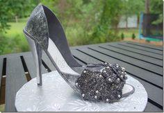 Gum paste shoe