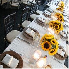 Fall wedding! Love, love, love sunflowers!!