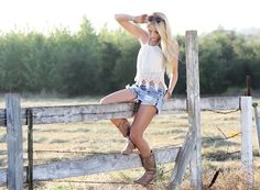 senior pictures, cowboy boots, country girls, fashion blogs, country girl fashion, senior girls, countri girl, birthday outfits, country outfits