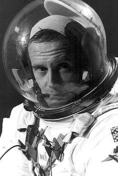 apollo 13 astronaut helmet - photo #41