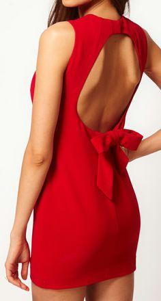 Backless bow dress