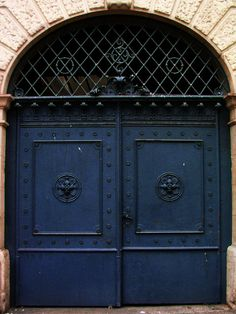 I could never be sad mad or fustrated with a front door like this