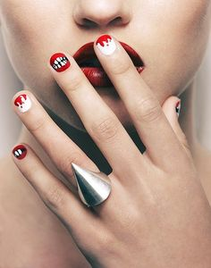 Halloween Nails: