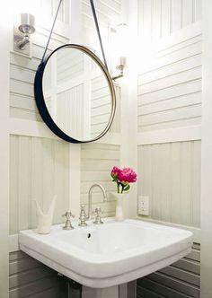 beautiful, small bathroom idea.