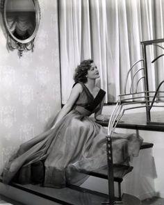 Simone Simon 1938 - Photo by Kornman
