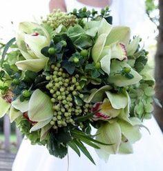 winter wedding flowers, wedding bouquets, white bouquets, flower photos