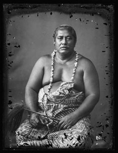 Portrait of the tulafale ali'i (orator chief) called Tafua Fa'aususu Production: Andrew, Thomas (photographer), 1890-1910, Samoa